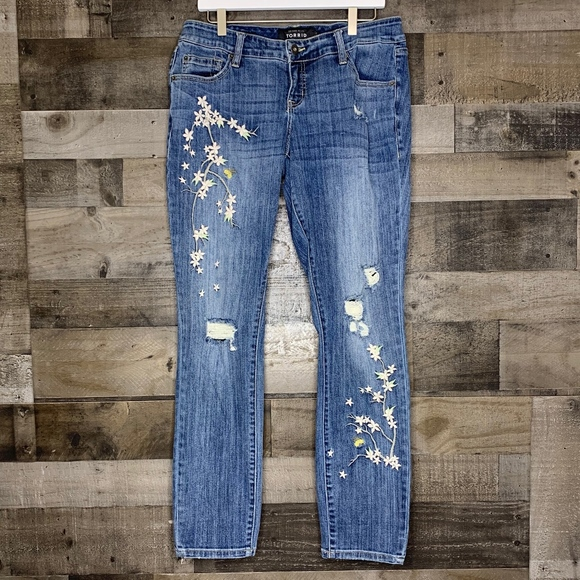 Torrid Denim - Distressed Embroidered Boyfriend Jeans Torrid 10R